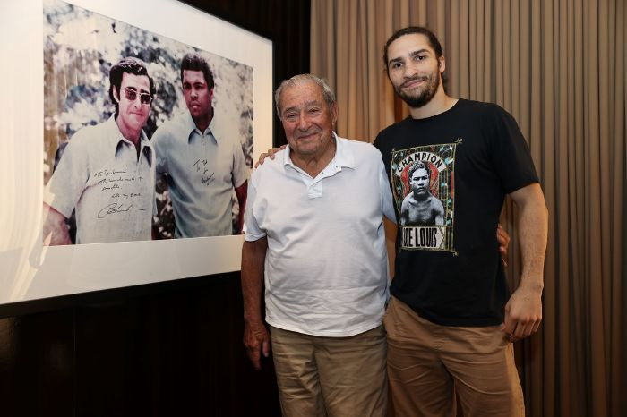 Grandson of Muhammad Ali signs pro deal with his former promoter