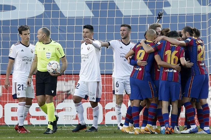 Barcelona have a must win game with Osasuna this weekend