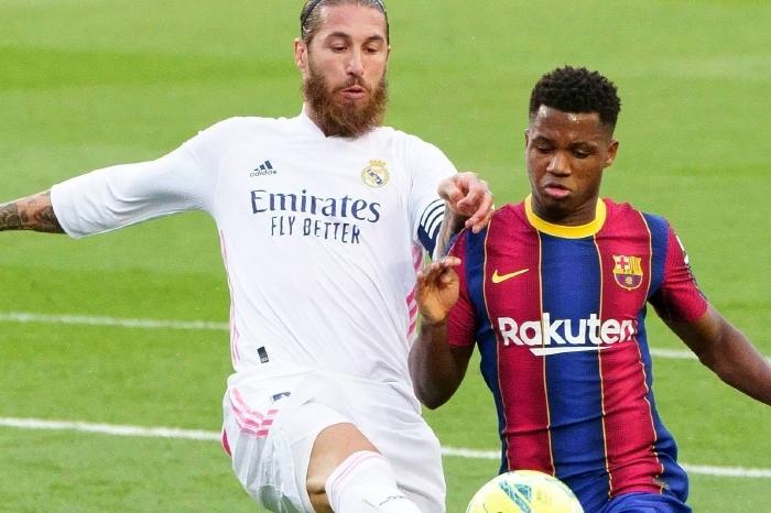 Sergio Ramos battles with Barcelona
