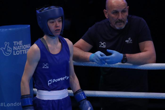 Charley Davison impresses as British trio advance into next round