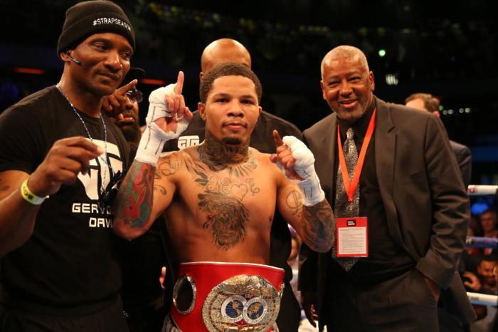 Davis collides with Santa Cruz with the WBA regular world title on the line