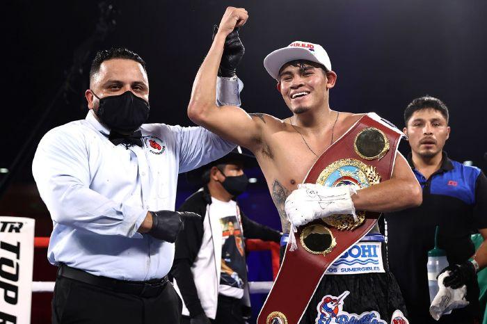 Emanuel Navarrete drops and stops Christopher Diaz, Edgar Berlanga KO streak snapped
