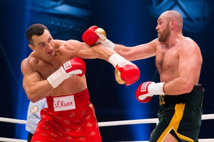 Tyson Fury pokes fun at Wladimir Klitschko as England thrash Ukraine