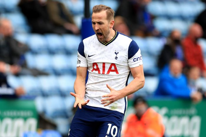 Harry Kane branded a 'cry baby' for no show at Spurs