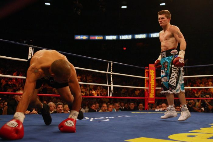 Ricky Hatton knocked out Castillo before facing Mayweather