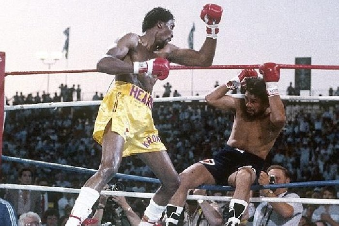 Hearns knocked out Duran inside two rounds