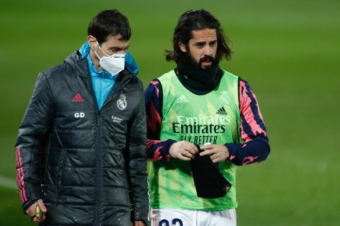 Real Madrid's Isco took nearly a minute-and-a-half to sort his hair out before commencing his warm-up routine in midweek