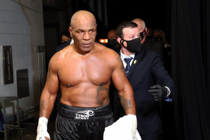 Mike Tyson offered a chance to become heavyweight world champion aged 54