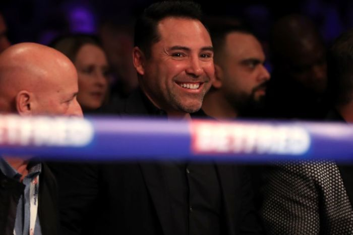 Oscar De La Hoya is more than happy to end his high-profile feud with Dana White