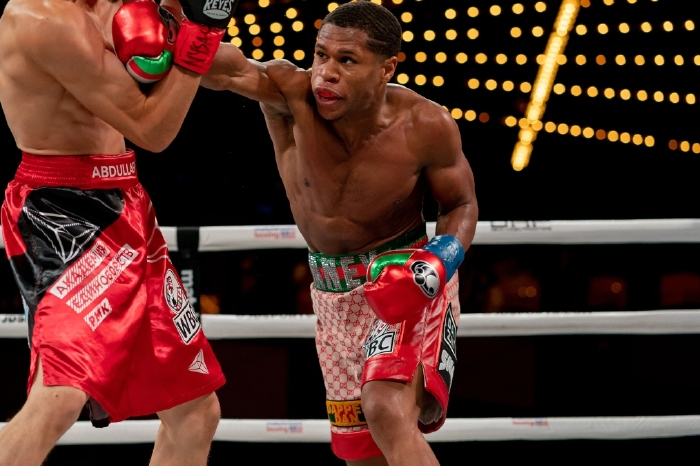 Devin Haney overcomes late scare to beat Jorge Linares and retain world title