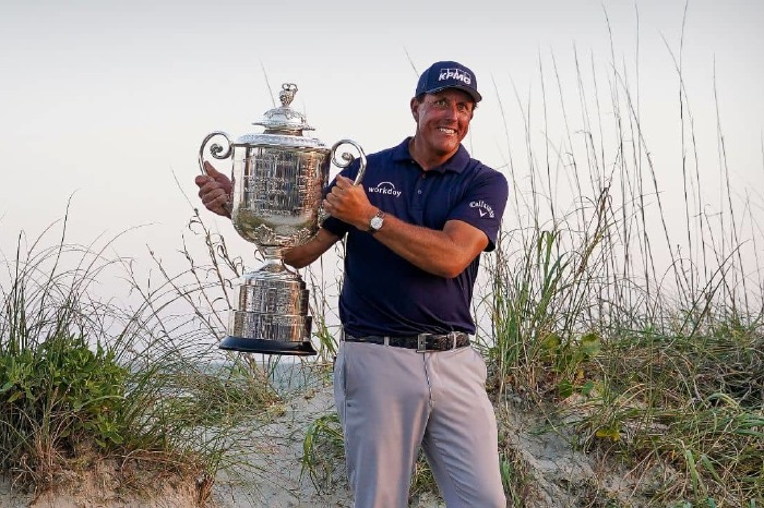 Phil with the trophy.