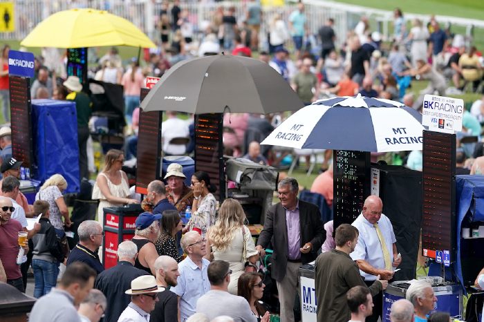 Pontefract-bookmakers-odd-tips-yarmouth-ayr