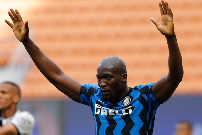 Romelu Lukaku is poised to join Chelsea