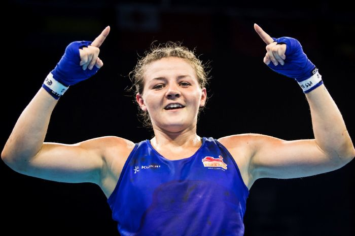 Amateur standout Sandy Ryan wants world titles after signing Matchroom deal