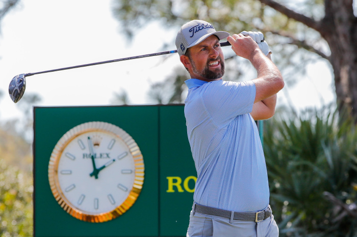 Webb Simpson shares the first-round lead