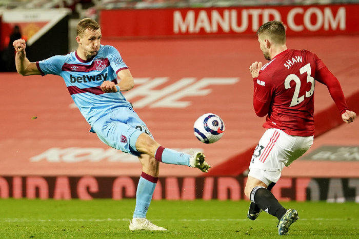West Ham's Tomas Soucek and Manchester United's Luke Shaw
