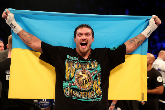 Oleksandr Usyk defeats Dereck Chisora to inch closer to heavyweight title bout