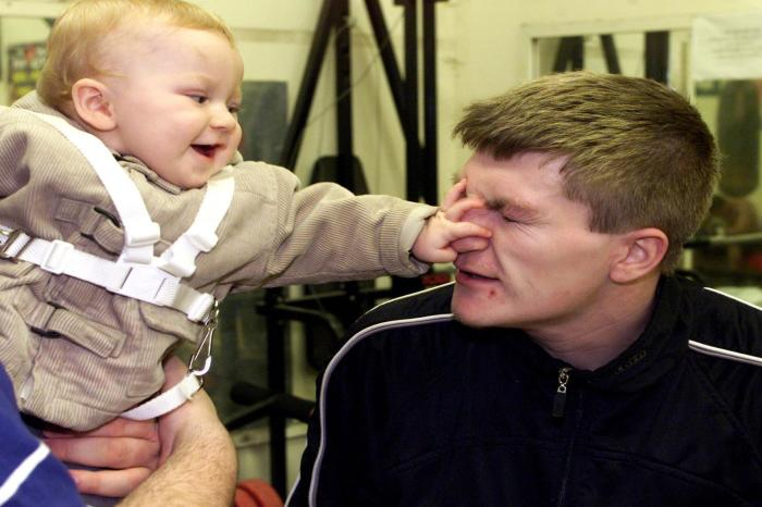 Ricky Hatton's son Campbell turns professional with Matchroom deal