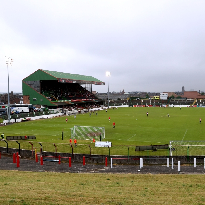 The Oval witnessed a 1-1 draw between Glentoran and The New Saints in first leg