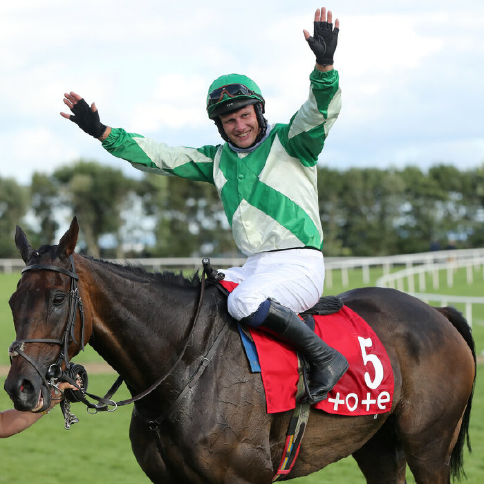 Paul Townend wins for Willie Mullins on Royal Rendezvous